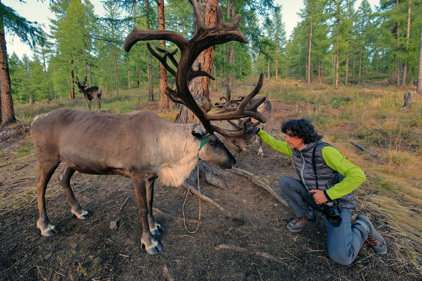 "A Culture on the Edge: Luca Bracali Documents the Disappearing ""Reindeer Men"" of Mongolia"